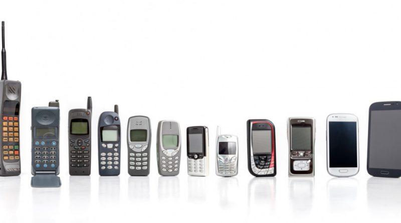 Έχετε ένα από αυτά τα 10 αρχαία κινητά; Μπορείτε να βγάλετε χιλιάδες ευρώ
